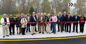 2016-11-02-ribbon-cutting-pic-at-wtb